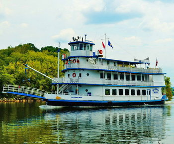 Get Aboard The Chattanooga Riverboat The Southern Belle