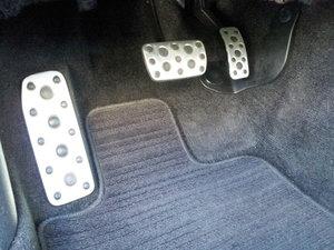 2014 subaru legacy pedals