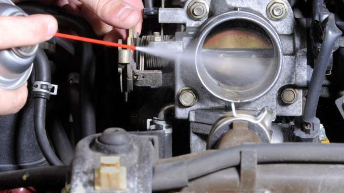 2012 Ford Escape Oil Type >> How to Clean or Replace a Faulty Throttle Body - CarsDirect