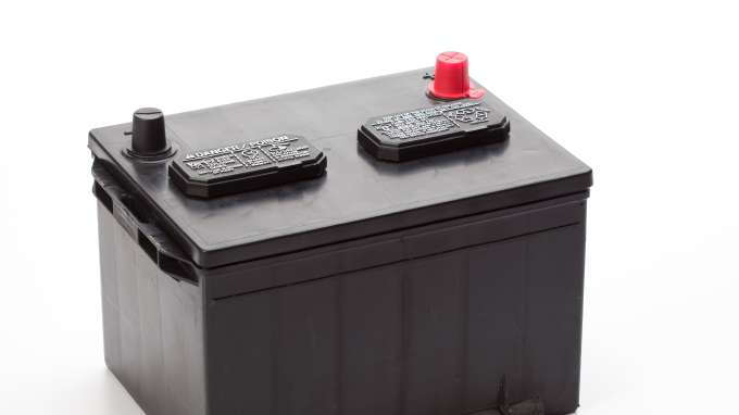 the best car battery brand to use for lasting performance carsdirect. Black Bedroom Furniture Sets. Home Design Ideas