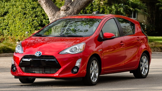 2017 toyota prius c preview pricing release date. Black Bedroom Furniture Sets. Home Design Ideas