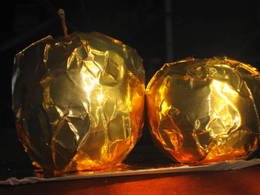 Golden apples I made by covering them with gold chocolate foil
