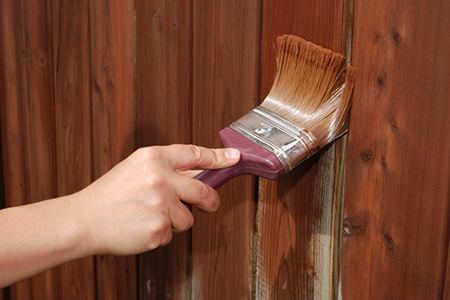 How to paint or stain wood fencing - How to paint a wood fence ...