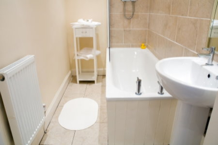 4 Redesign Ideas For Your Mobile Home Bathroom