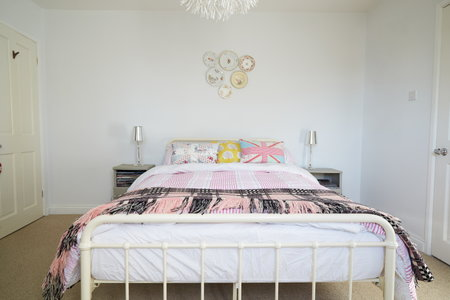how to assemble a hollywood bed frame 1