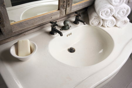 How To Clean Stone Sink : Tips to Repair Cracked or Chipped Bathroom Countertops DoItYourself ...