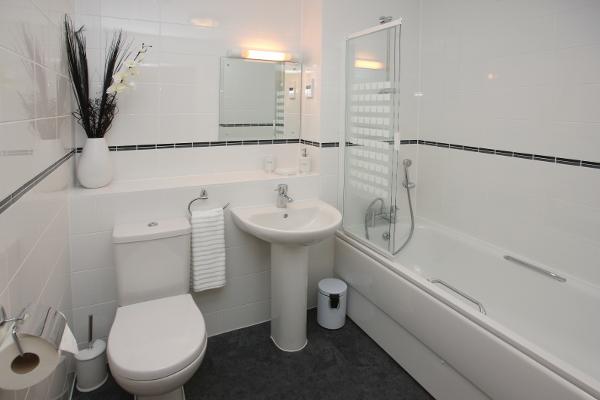 7 Waterproof Bathroom Wall Options