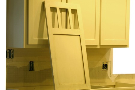 Painting kitchen cabinets for Do it yourself kitchen cabinets