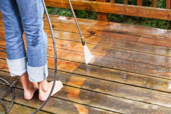 hot topics sand or pressure wash before staining a deck