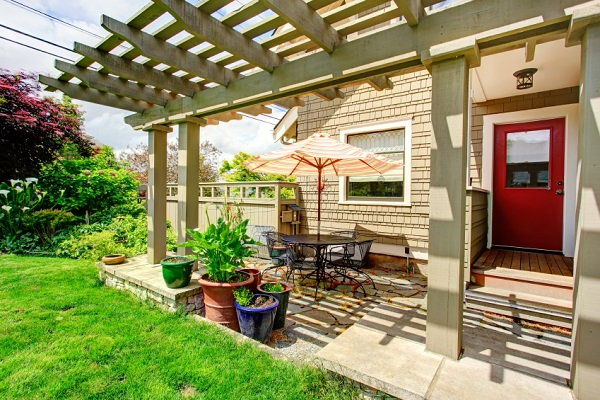 Decks and Patios: What's the Difference?   DoItYourself.com