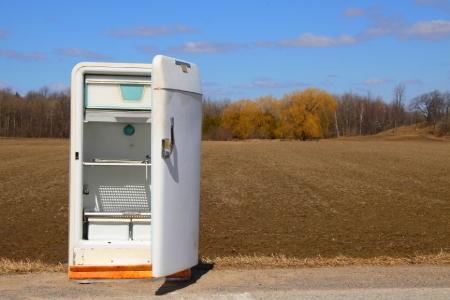 Building A Refrigerator Grow Box Doityourself Com