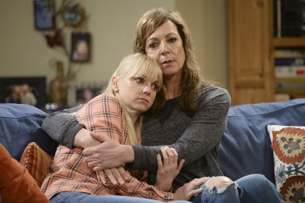 anna faris and allison janney on mom