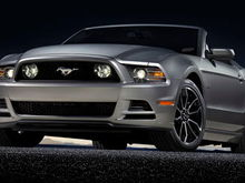 13FordMustangGT side angle