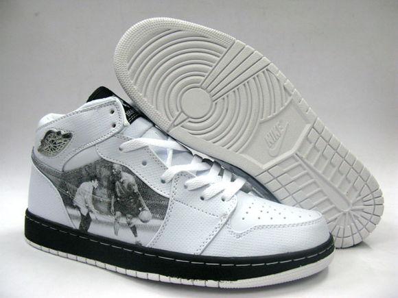 Sneakers in memory of Michael Jackson!!!