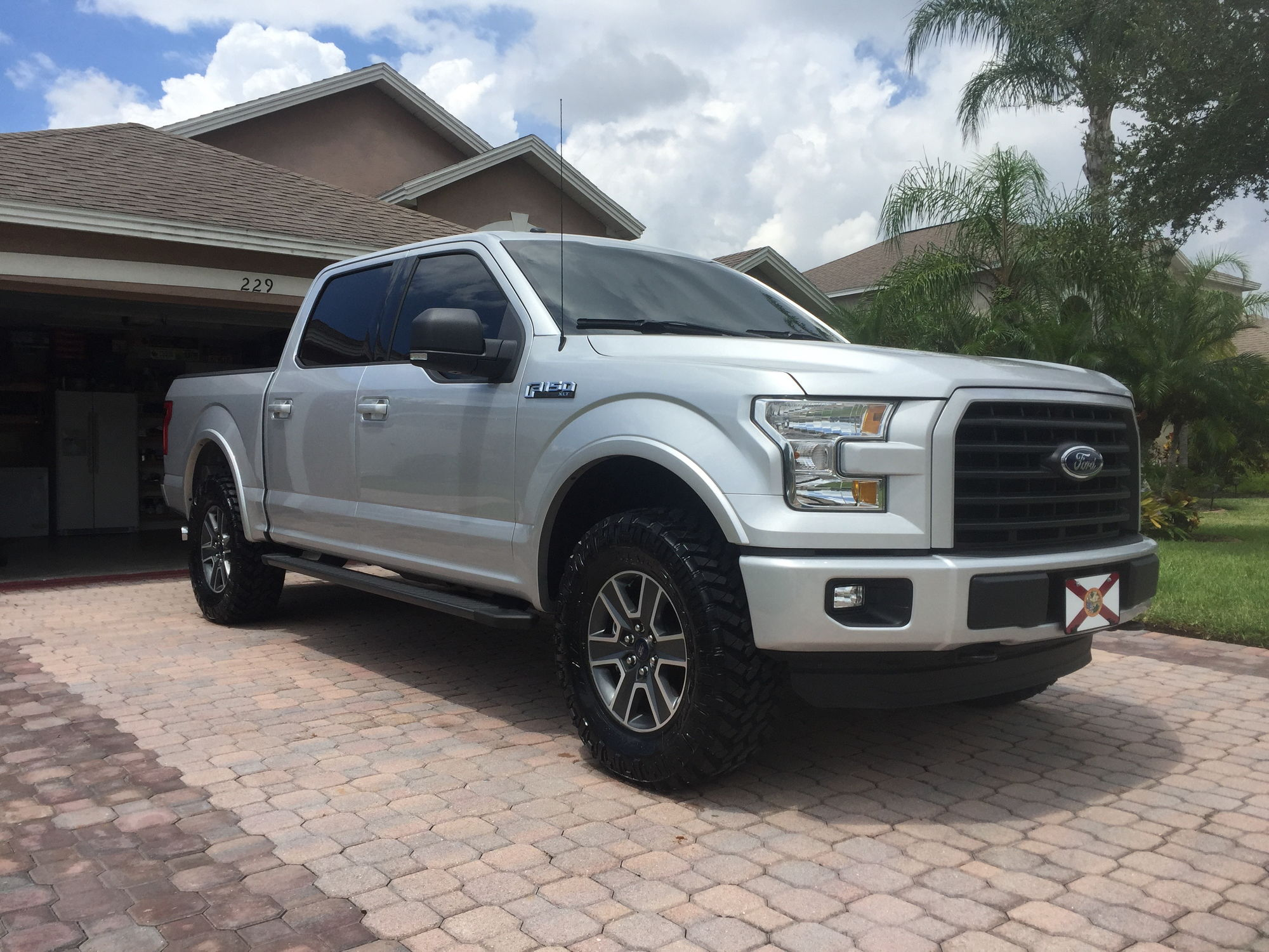 F150 Factory Rims >> Show me you Leveled trucks with OEM rims! - Page 59 - Ford F150 Forum - Community of Ford Truck Fans