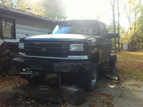 front end pretty much done. bought an f350 and it came with a nice warn winch bumper!