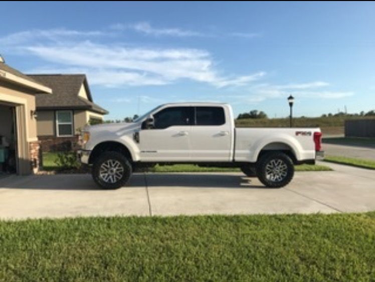 Lifted Ford F250 >> Lifted 2017 F250 with 37's Pics - Ford Truck Enthusiasts Forums