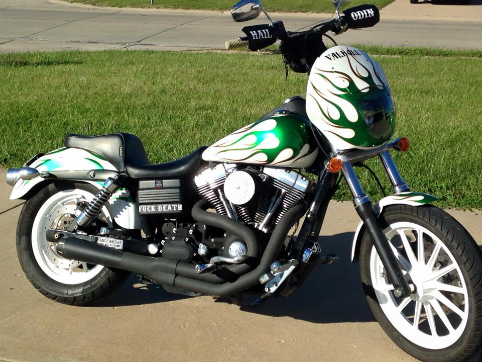 Dyna with t bars - T Bars on a Vic - Highball | Victory Motorcycles