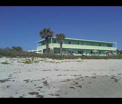 Reviews prices for sea mark condominium satellite beach fl for Beach house designs satellite beach fl