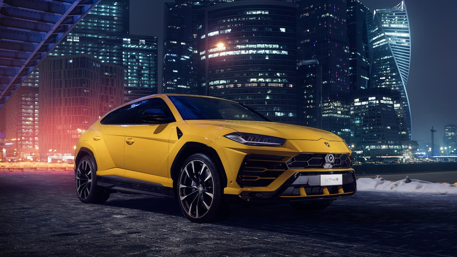 2019 Urus Truck Takes First Drive