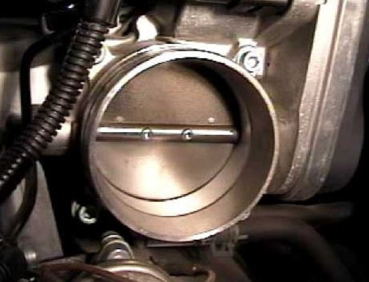 Audi A6 C6: How to Clean and Reset Throttle Body | Audiworld