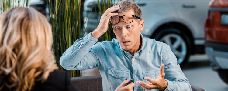 Does a Cosigner Have to Be Present to Trade In a Car?