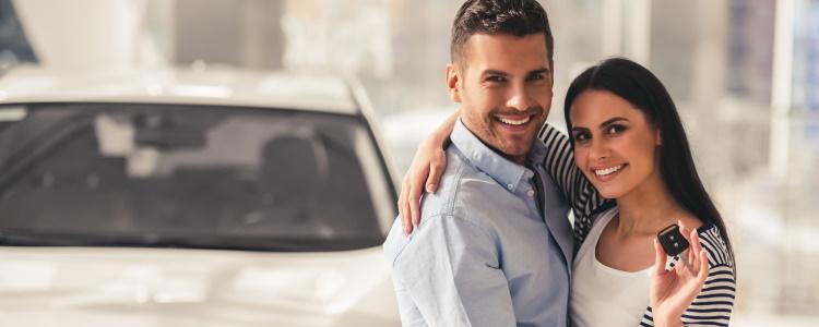 ¿Cuál es la diferencia entre arrendar y comprar un automóvil?