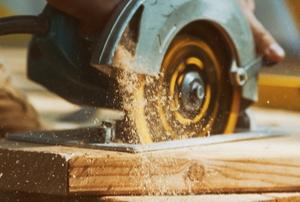 circular saw cutting boards