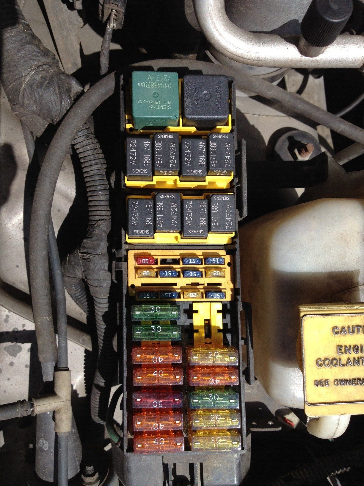 fuse box for 2004 jeep grand cherokee jeep grand cherokee 1999 2004 fuse box diagram cherokeeforum  jeep grand cherokee 1999 2004 fuse box