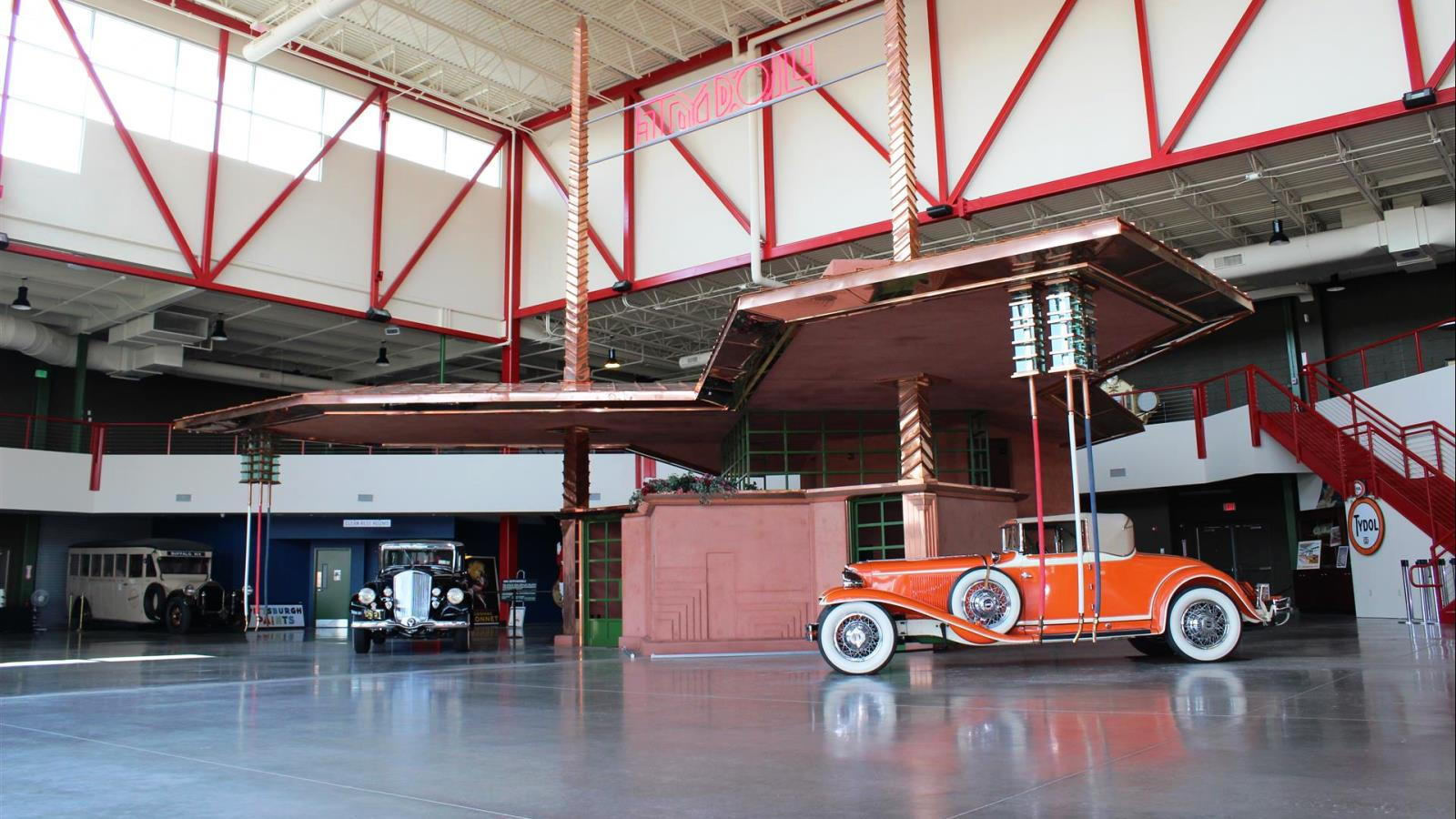 Frank Lloyd Wright's Filling Station
