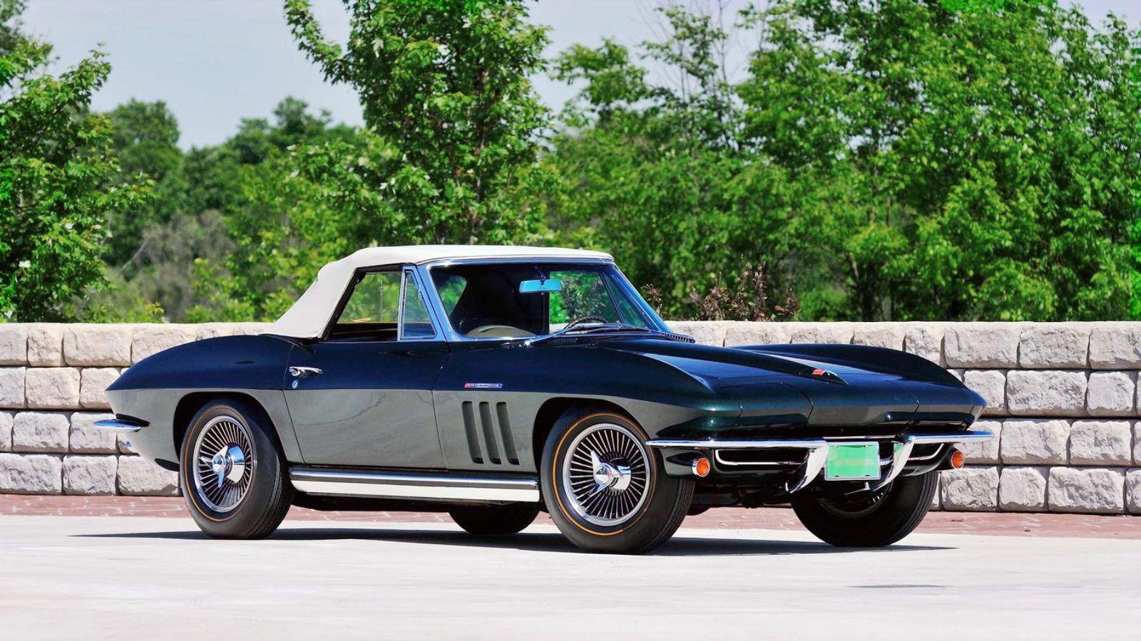 1965 Corvette in Glen Green