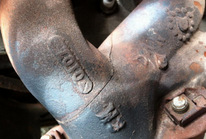 A crack in the exhaust manifold of a Jeep Wrangler.