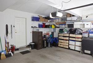 Effective Garage Shelving Ideas