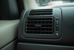 car air-conditioning vent