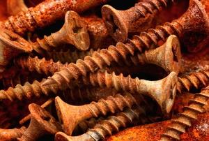 pile of rusty screws