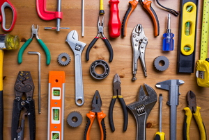 11 Essential Tools for Your Travel Toolbox