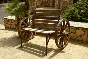 Bench using wagon wheels