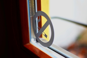 no smoking sticker on window