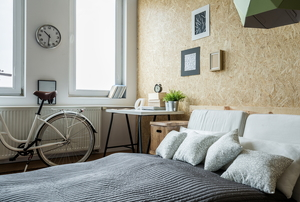 Small bedroom with bike