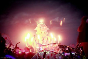 Flaming octopus art car. Photo by Steve Payne.
