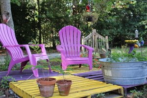 5 Hacks for Creating Outdoor Furnishings on a Budget