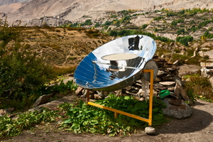 Advantages and Disadvantages of Using a Solar Cooker