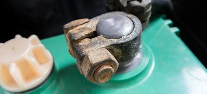 How to Tighten a Car Battery Terminal   DoItYourself com