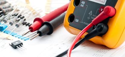How to Use a Voltage Tester | DoItYourself com