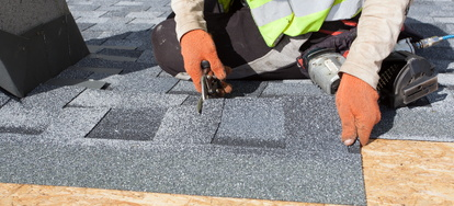 Roofing Materials Asphalt Versus Metal Doityourself Com
