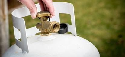 Preventing a Propane Regulator from Freezing | DoItYourself com