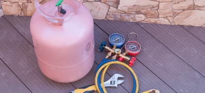 How to Add Freon to a Home Heat Pump | DoItYourself com
