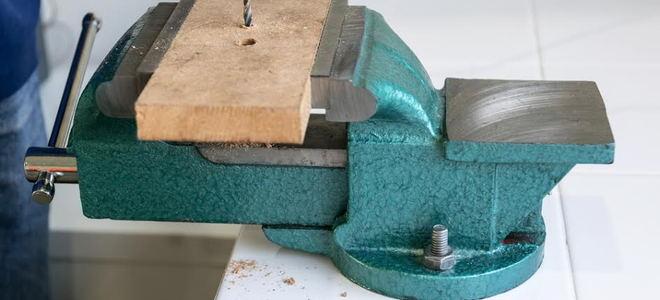 Fantastic 7 Uses Of A Bench Vise Doityourself Com Uwap Interior Chair Design Uwaporg