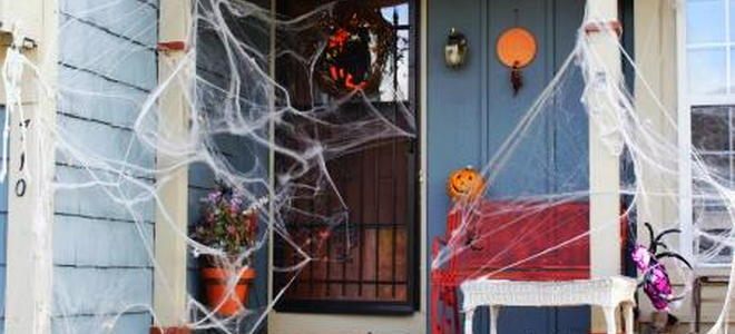 People Decorating For Halloween easy (and inexpensive) decorating for halloween | doityourself