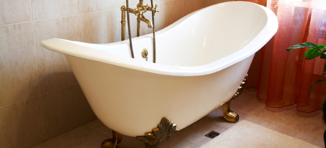 How to Refurbish an Old Clawfoot Bathtub | DoItYourself.com